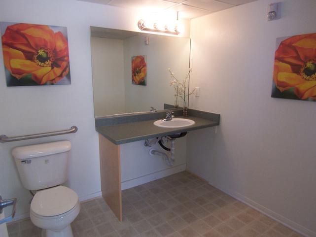learning-center_bathroom